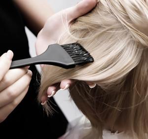 dobry fryzjer Konin - koloryzacja
